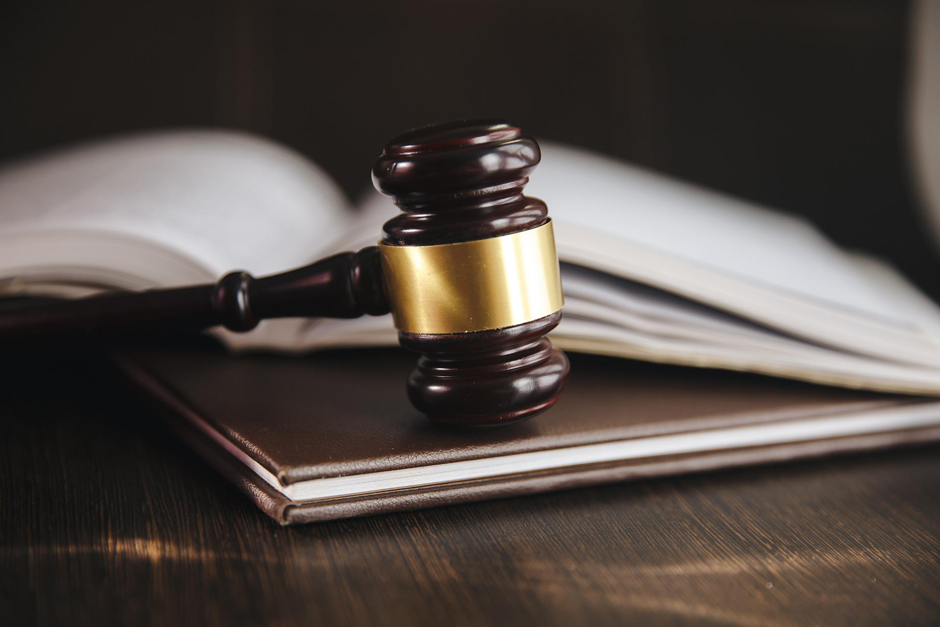 Hoe start ik een gerechtelijke procedure?